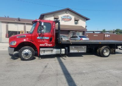 Medium Duty 22' Flatbed Wrecker